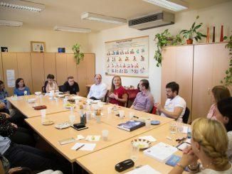 csoporttalálkozó az oktatási reformokért