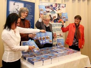 Könyvbemutató Dr. Trencsényi Lászlóval és az Alkalmazott Oktatástan csapatával